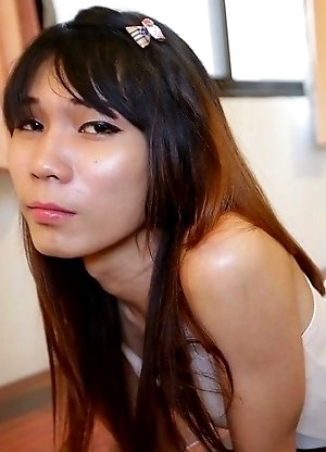Flat-chested Thai Ladyboy Noody can't get enough white cock