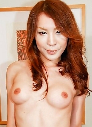 Yuu Kakisaki has a dancer�s tight body, accented by a pair of big breasts and an amazingly curvy waist-line. She�s got that perf