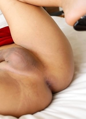 19yo Thai ladyboy Pop gets big white cock up her ass