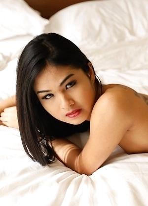 19yo hot Thai ladyboy Pop has interracial anal with white tourist