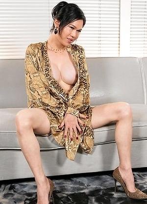 Mimi Intense Cumshot Cock Masturbation