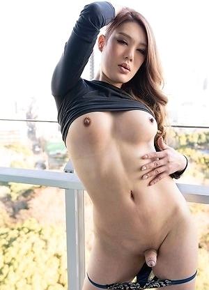 Japan Transsexual Rui Matsushita Outdoor Session