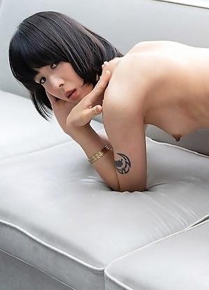 Skinny japan ladyboy Yoko shows her small cock