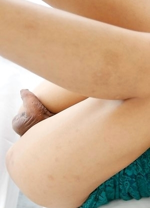 19yo sexy Thai ladyboy Tontan gets white cock stuffed up her ass