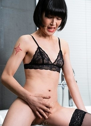 Yoko has a massive ejaculation stroking her clit