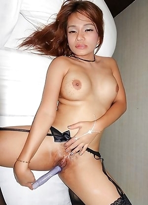 Thai Tranny Bai Thong Topless Seductress Bareback