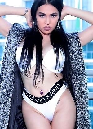 TS Filipina Alluring Busty Girl Next Door!
