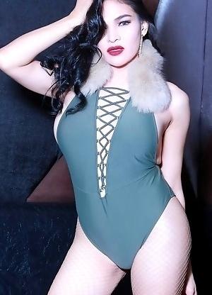 TS Filipina Sexy Fishnet Stockings