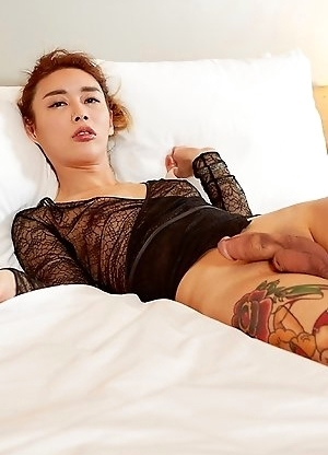 Hyori is spreading her legs and show off her hard cock