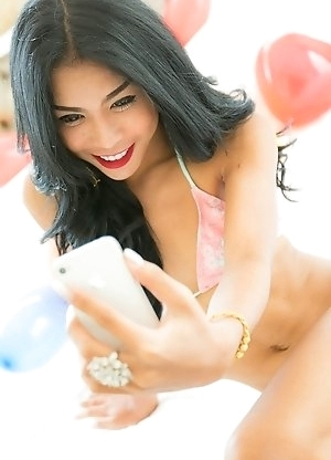 Ladyboy Sunny - Bikini, Selfies and Balloon Stroking