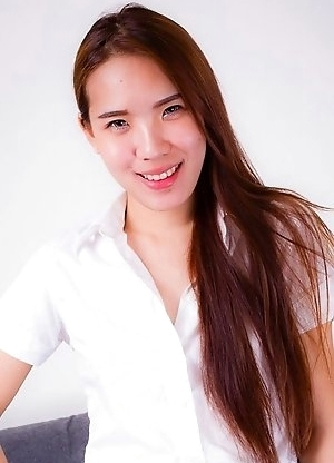 Nuz is a genuine student from Bangkok. She is short, small hands, small feet, very nice legs, girl's next door's cute face, delicious puffy