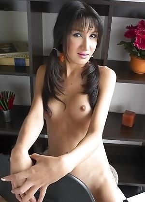 Sexy Asian Femboy Gisele