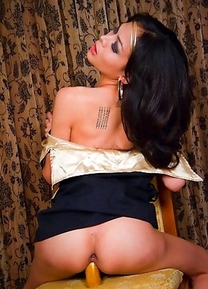 Upskirt and panties down dildo delight for tiny post op Pear
