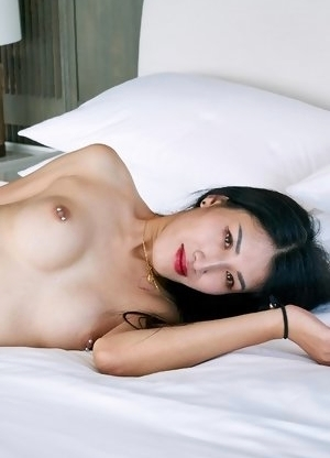 Japan newhalf Allison is showing off her incredible feminine body