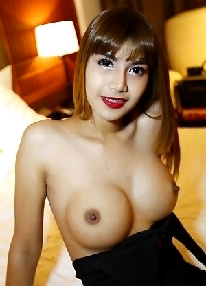 26yo big tits Thai newhalf May with braces sucks off white tourists cock