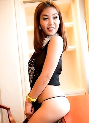 Icecy gives sinful closeups as she masturbates with her glass dildo. Icecy playfully poses, lifting her girlfriend dress up and showing her g-string p