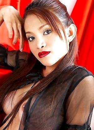 Thai tgirl Lekila