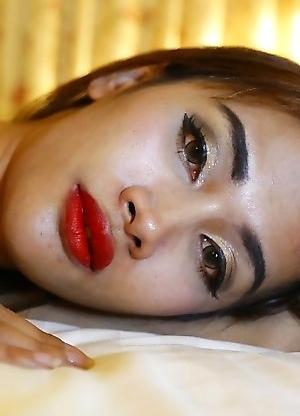 24 year old Thai ladyboy sucks off her white tourist friends fat cock