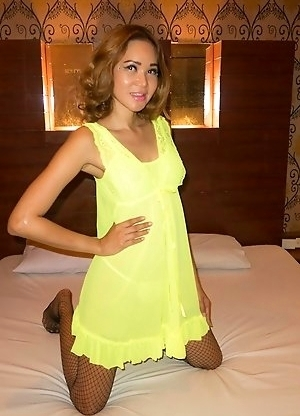 Nattcha's beautiful pussy is drilled and filled hot sperm! Dressed in a sexy green babydoll and black stockings Nattcha is the ideal sex partner.