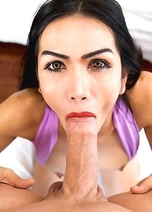 Sexy Thai femboy Bella bottom less bareback vixen