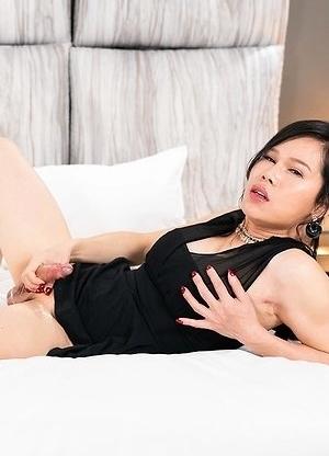 Mimi Male Slave Forced Cumshot
