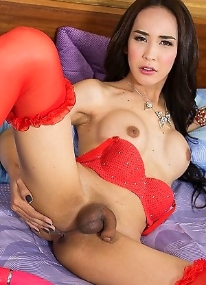 Nita is a jaw-dropping beauty as she's fucked deeply by a big bareback dick, ending with her mouth filled with sperm! Nita's dressed in a re