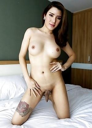 25yo big tits Thai shemale Peach gets a facial after sucking his big white cock