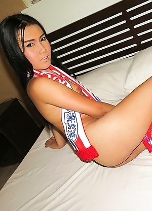 Ploy's excited for the World Cup, and starts off her night with a bang! Before Ploy cheers her favorite team (England) she goes on a raunchy shor