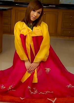 Ladyboy Patty rips her pantyhose wide open in Korean dress