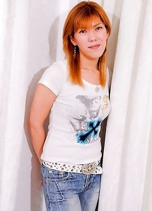Twenty-six year old newhalf escort Rena Kanzaki is based in Osaka.