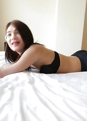 20 year old Thai ladyboy Spor stripping for white tourist