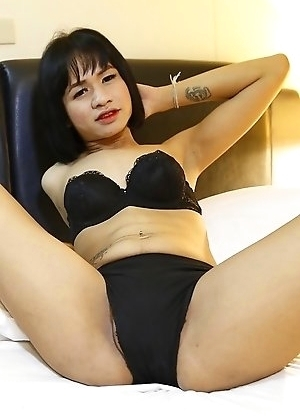 19yo horny Thai ladyboy Oei does a striptease for white tourist