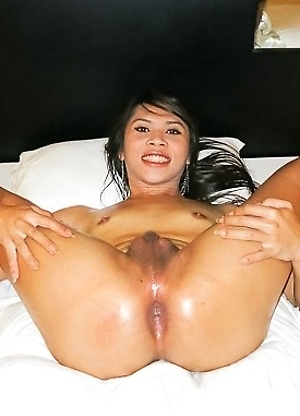 Nan massage femboy top and pushed in creampie