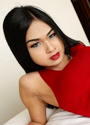 19yo sexy Thai ladyboy Pop gets her ass plugged by large white dick