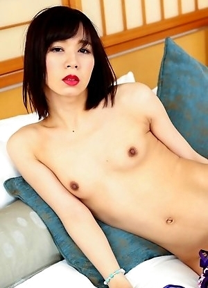 Mayumi Harukaze started life on the site with a stomping hardcore scene which immediately established her as serious hot property and one to keep a ve