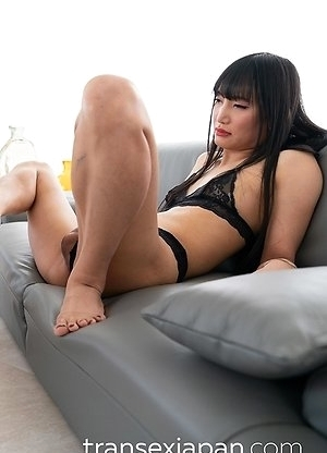 Japan Shemale Kaoru Hanayama and Female Slave Threesome Bareback Creampie